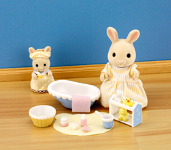 Sylvanian Family Bath Time with Mother