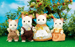 Sylvanian Families Cream Cat Family